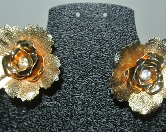 Vintage Coro Floral Flower Gold & Rhinestone Clip On Earrings