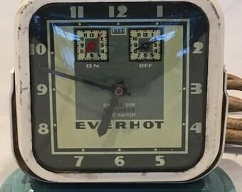 Vintage Swartzbaugh Manufacturing Co. EVERHOT #760 Wind-Up Art Deco Clock Appliance Timer - Works!  circa 1920s - 1930s