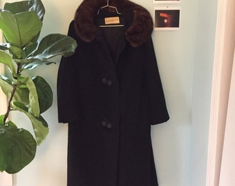 Vintage Calf-Length Wool Overcoat with Fur Collar