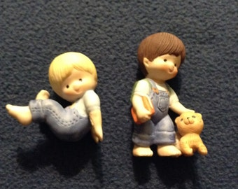Country Cousins figurines signed Enesco.