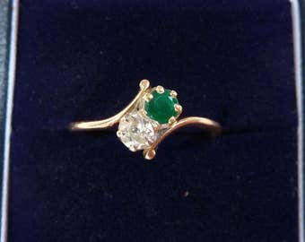 18ct gold edwardian Emerald and Diamond two stone twist 18k vintage antique ring