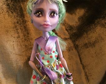 Repaint Monster High - Lucie Oakk