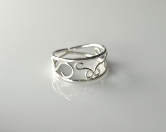 Sterling Silver Scrollwork Ring