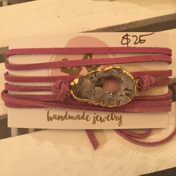 Pink suede wrap bracelet/choker woth beautiful agate piece