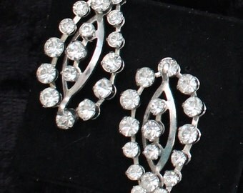 SO # 1085 Vintage Silver Tone Clear Crystal Rhinestone Clip On Earrings