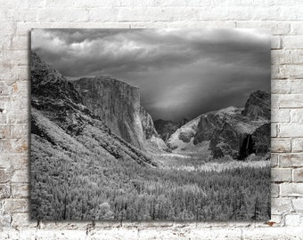 Yosemite Photo, Black White Photography, American West, Scenic Landscape Photography, 16 x 20 Wall Decor, National Parks