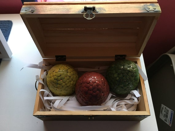 Set of dragon eggs with chest