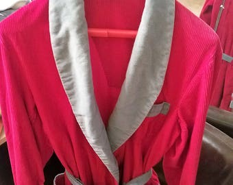 Extremly Awsome Vintage Smoking Jacket Loungwear   50's or 60's     by E&W LOUNGE WEAR    Super Awsome