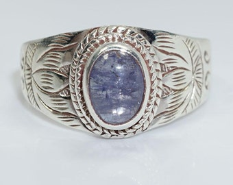 Tanzanite and Sterling Silver (925) Ring size 7
