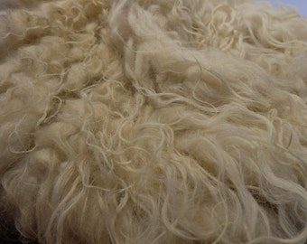 All non-woven by the white Heidschnucke, washed