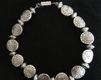 Beaded Bracelet with Twist Clasp