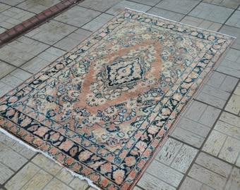 Pastel Vintage rug. Persian carpet. Vintage persian rug. Free shipping. 6.3 x 3.9 feet.