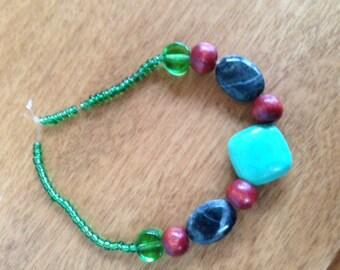 Foam Green stone bracelette
