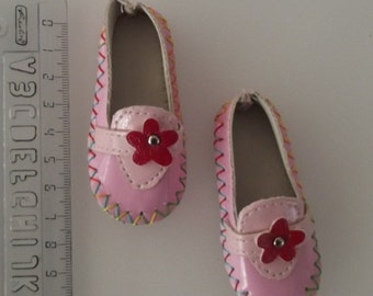 Doll shoes pink