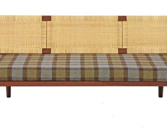 Hans Wegner Teak Day Bed designed by Hans Wegner for Getama circa 1958