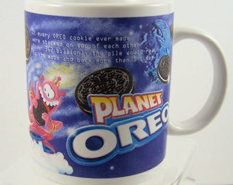 Planet Oreo collectible mug Nabisco Cookies Pink Aliens Outer Space Astronaut