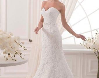 White wedding dress, wedding gown open, lace wedding dress, wedding gown, wedding dress mermaid. White flower girl dress