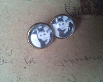 Audrey Hepburn earrings ~ bronze ~.