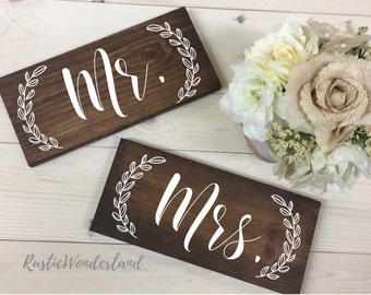 Mr and Mrs Signs, Mr and Mrs Chair Signs, Mr and Mrs Wedding Signs, Mr and Mrs Table Signs, Sweetheart Table Signs, Mr and Mrs Decor, Mr Mrs