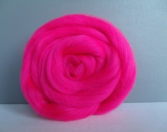 25g wool felting or spinning Merino Cardee combed color pink Neon