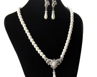 Bridal Crystal and Pearl Flower Teardrop Pearl Necklace and Earring set // Bridal Wedding jewelry set