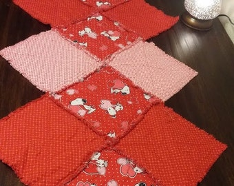 Rag Quilt Table Runner - Valentine's Day, Hearts, Pink, Red, Love, Snoopy, Peanuts