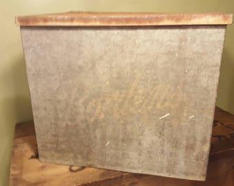 Vintage Borden's Milk Box