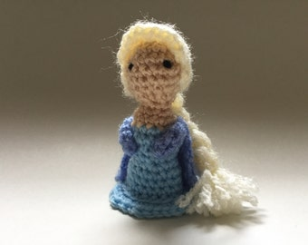 Elsa Frozen Crochet Pattern,Crochet Doll,Mini amigurumi Pattern
