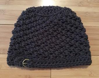 Dark grey hat with buckle