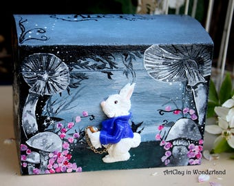 Box wooden Alice in the Wonderland