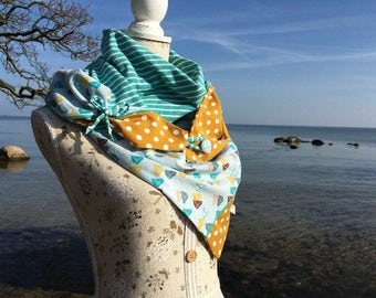Big mark shawl in mustard yellow and turquoise