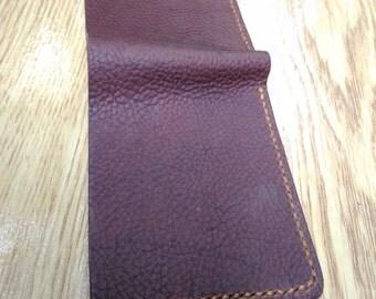 Color combination bi-fold wallet
