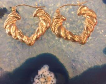 14 K gold square hoop earrings