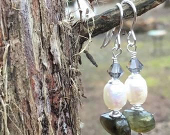 Labradorite and Freshwater Pearl Earings