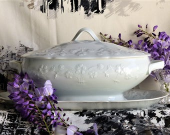 White Oval Dish, Oval Vegetable Dish, Covered Bowl, Serving ware, French Vintage White Oval Soup Tureen, Covered Vegetable Bowl WEDDING GIFT