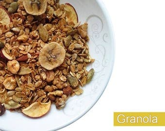 Organic granola 17.6oz/ raw honey/ almonds/ cashew/ hazelnut/ walnut/dried apples/ banana/ healthy breakfast/organic snack/ handmade