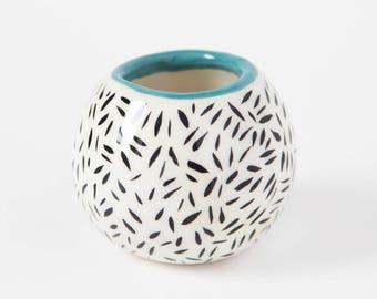 Mini vase, black and white / Ceramic