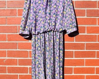 Pretty Purple and Yellow Flowery Vintage Dress