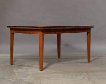 Danish dining table in softwood with Dutch extract