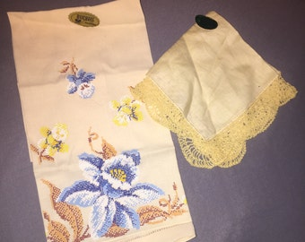 2 lovely Pale yellow embroidered Vintage linens handkerchiefs