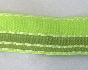 Wire edged 2 tone green with decorative stitching, 1 inch wide.