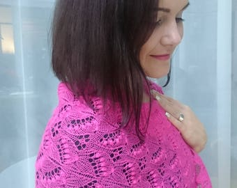 Pink 100% wool hand-knitted lace shawl