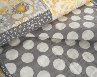 modern quilt yellow gray and white, gender neutral nursery, baby quilt, toddler quilt, lap quilt, throw quilt, quilt, yellow and gray