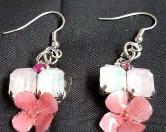 Pink Flower Dangle Earrings//birthdays//Gifts//anniversaries//weddings//spring//flower//girl//love//present