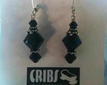 Black Dangle Clasp earrings