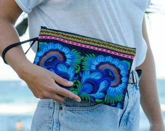Large Clutch - Blue