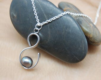 Black Freshwater pearl and Sterling Silver Necklace , Perfect for Mother's Day Gift