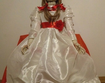 "Annabelle The conjuring ""Replica 1:1"" (Only on pre-order)"