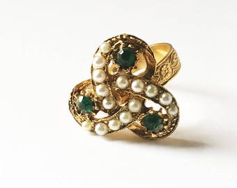 Vintage Gold Tone Ring with Faceted Emerald Color Stones and White Faux Pearls