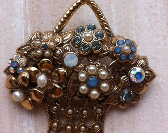 Lovely vintage brooch by Alcozer&J Florence